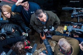 Presidential candidate Ted Cruz surrounded by television reporters, Center Barnstead, New Hampshire, Jan. 19, 2016. Ian Thomas Jansen-Lonnquist/The New York Times/Redux