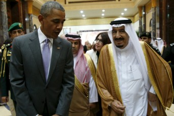 U.S. President Barack Obama and Saudi King Salman at a summit meeting in Riyadh. April 20, 2016. Kevin Lamarque/Reuters