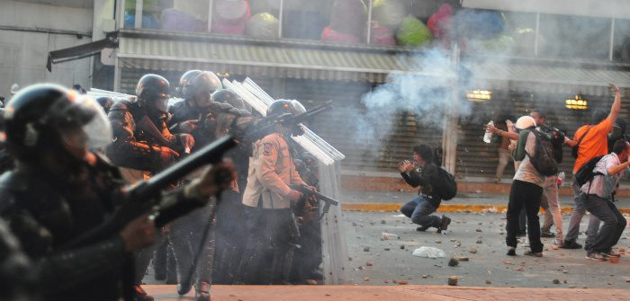 Tear gas fired at protesters, Caracas, Feb. 15, 2014. Andrés E. Azpúrua/Wikicommons